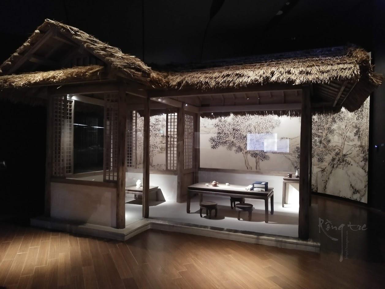 Tổng thể một phòng trà xưa được phục dựng lại